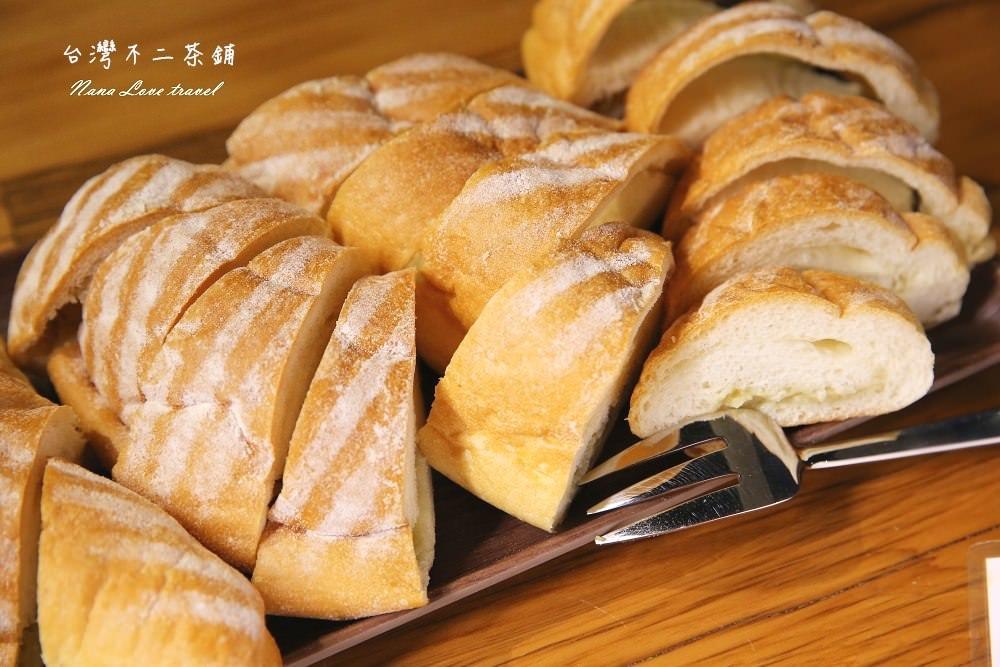 台北士林夜市》台灣不二茶鋪。限量供應霸王榴槤麵包與榴槤奶蓋茶!(WIFI/無限時)