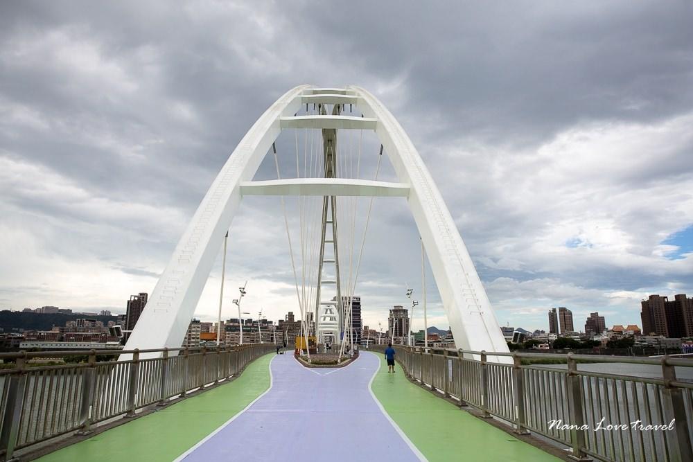 新北市板橋景點》板橋新月橋透明天空步道。台北散步約會好去處