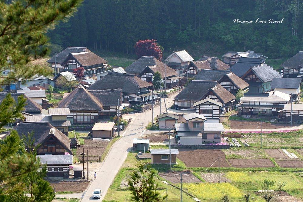 日本福島県》前沢曲家集落展望台遊步道(南会津町)傳統建築小木屋,仿佛薑餅屋般童話小鎮