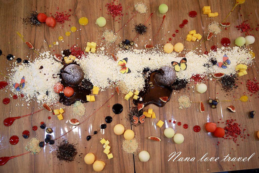 澳門美食》楊枝金撈甜品。超屌畫板直接在桌上作畫!?居然還可以吃!?/愛評網2017澳門食況LiveShow