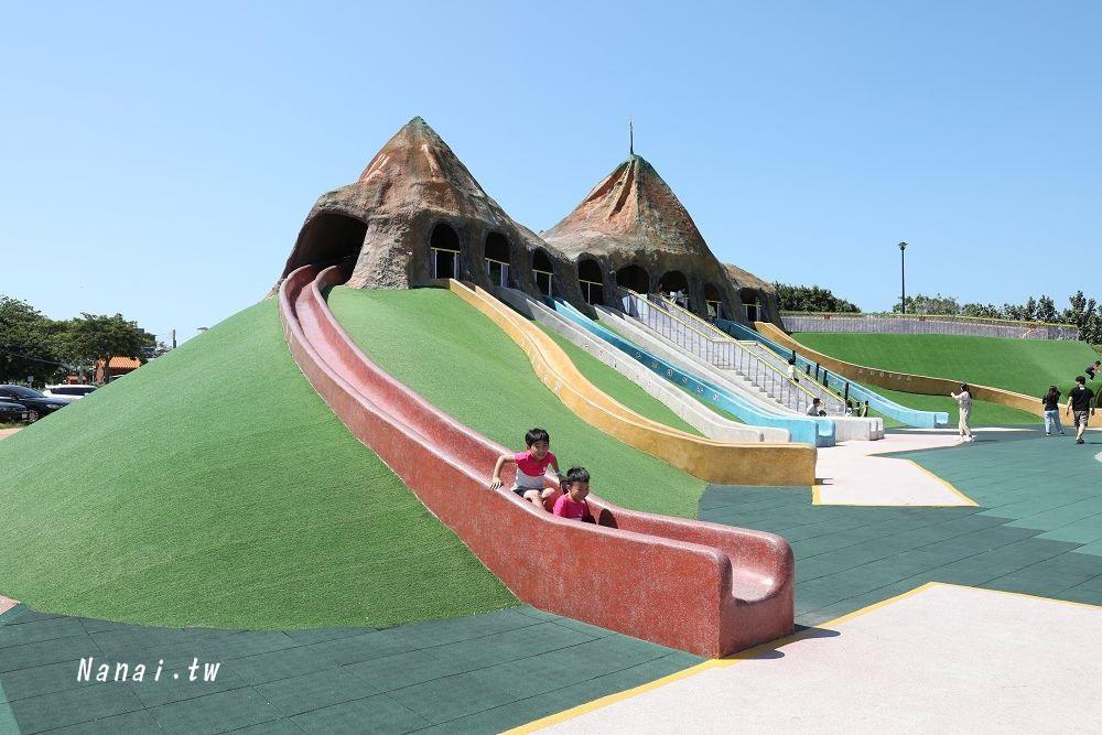 苗栗獅山多功能運動公園。火炎山溜滑梯,大沙池 小孩玩樂免費景點