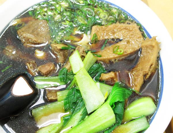 4牛肉麵 (2).JPG