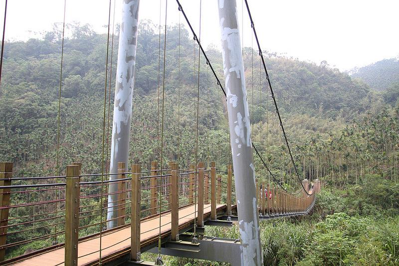雲林景點-古坑華山小天梯‧情人橋  (8)