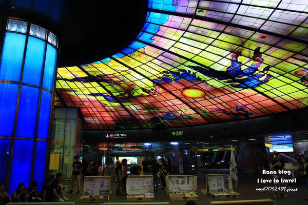 高雄景點捷運站 (8).JPG